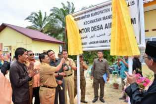 Bupati Bengkalis Meresmikan 7 Kantor Desa Di Kecamatan Mandau